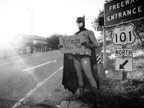 http://4.bp.blogspot.com/-nwozN52qjjo/Tl89gR2y3hI/AAAAAAAAASQ/wB-BmEProkw/s1600/batman-loves-you.jpg