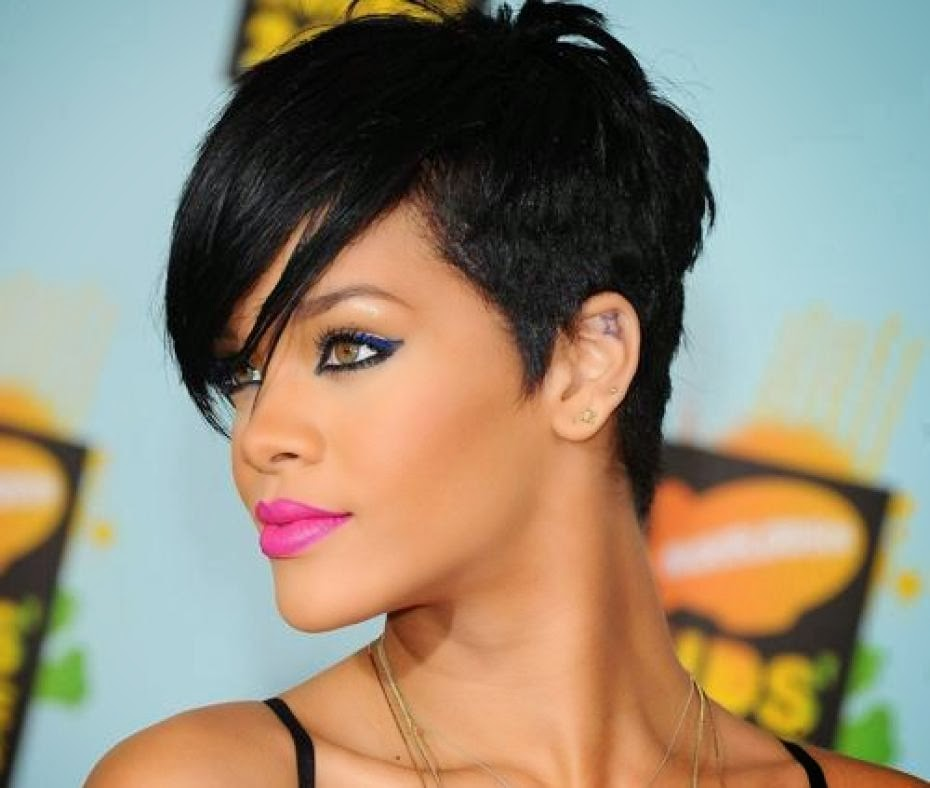 cheveux rihanna adopte courte big Rihanna Short Hairstyles: Great On And Off Stage!