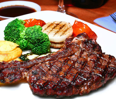 http://4.bp.blogspot.com/-nxDrkQ50hYE/Tf2MJUQSSEI/AAAAAAAAAMY/ut9hd7G1yR0/s400/meat-steak.jpg