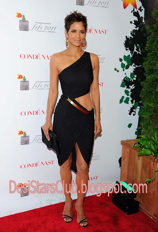 Halle Berry Photos at Fifi Awards 2011