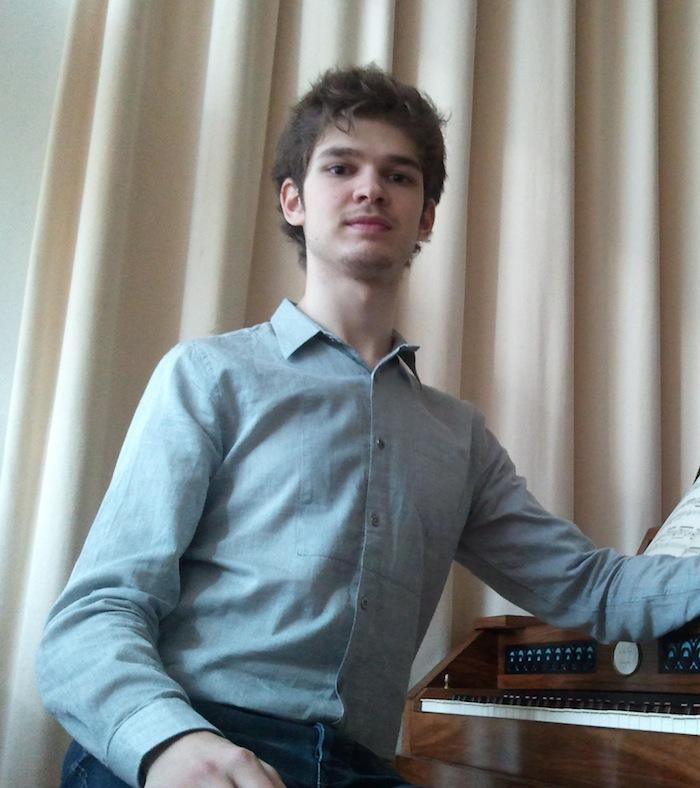 Juventudes musicales de sevilla concierto de ram n grau for Oficina pelayo sevilla