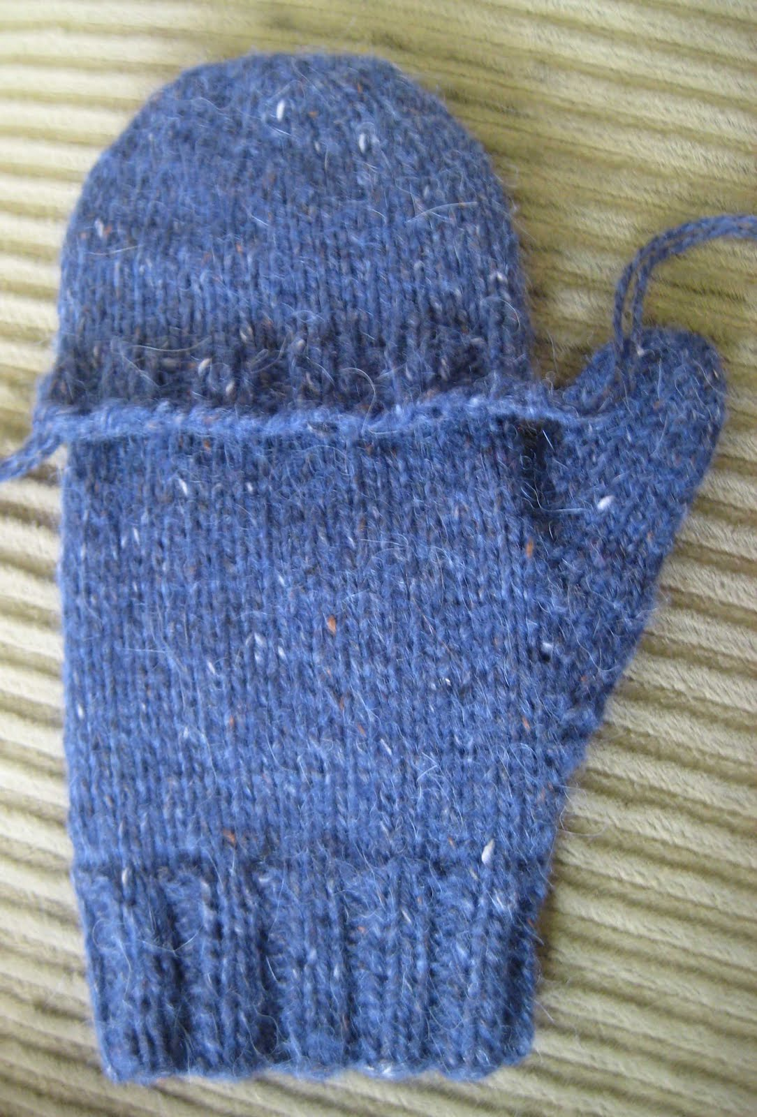 Knitting Pattern For Mittens With Flaps : ChemKnits: Convertible Fenway Mitts (Convertible Mittens)