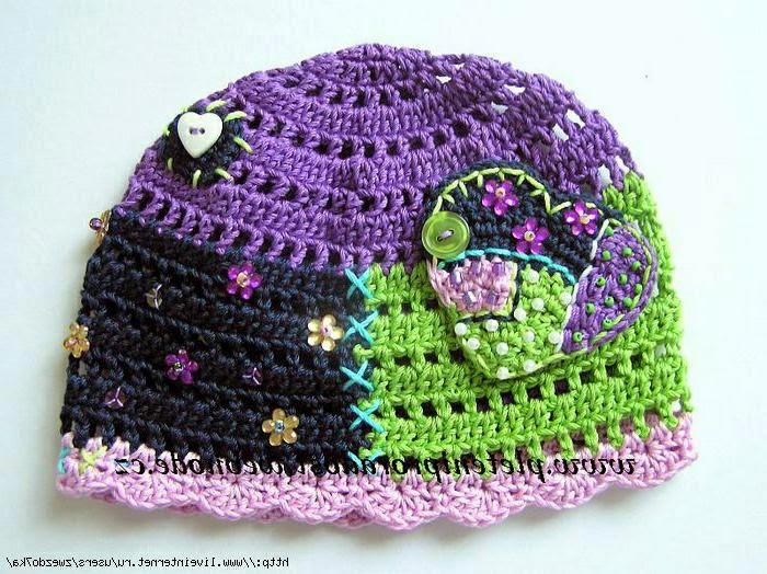 Как украсить вязаную шапку крючком своими руками