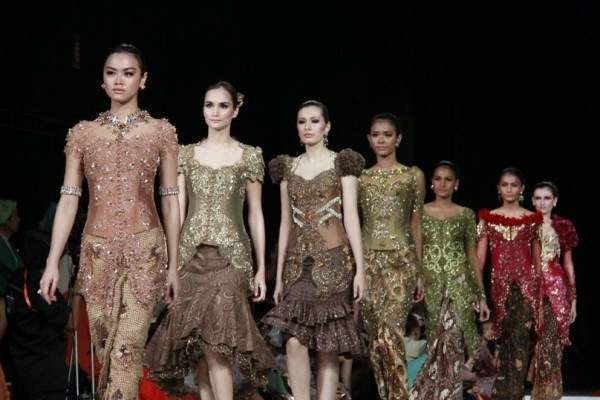 Foto Model Baju Kebaya Dress