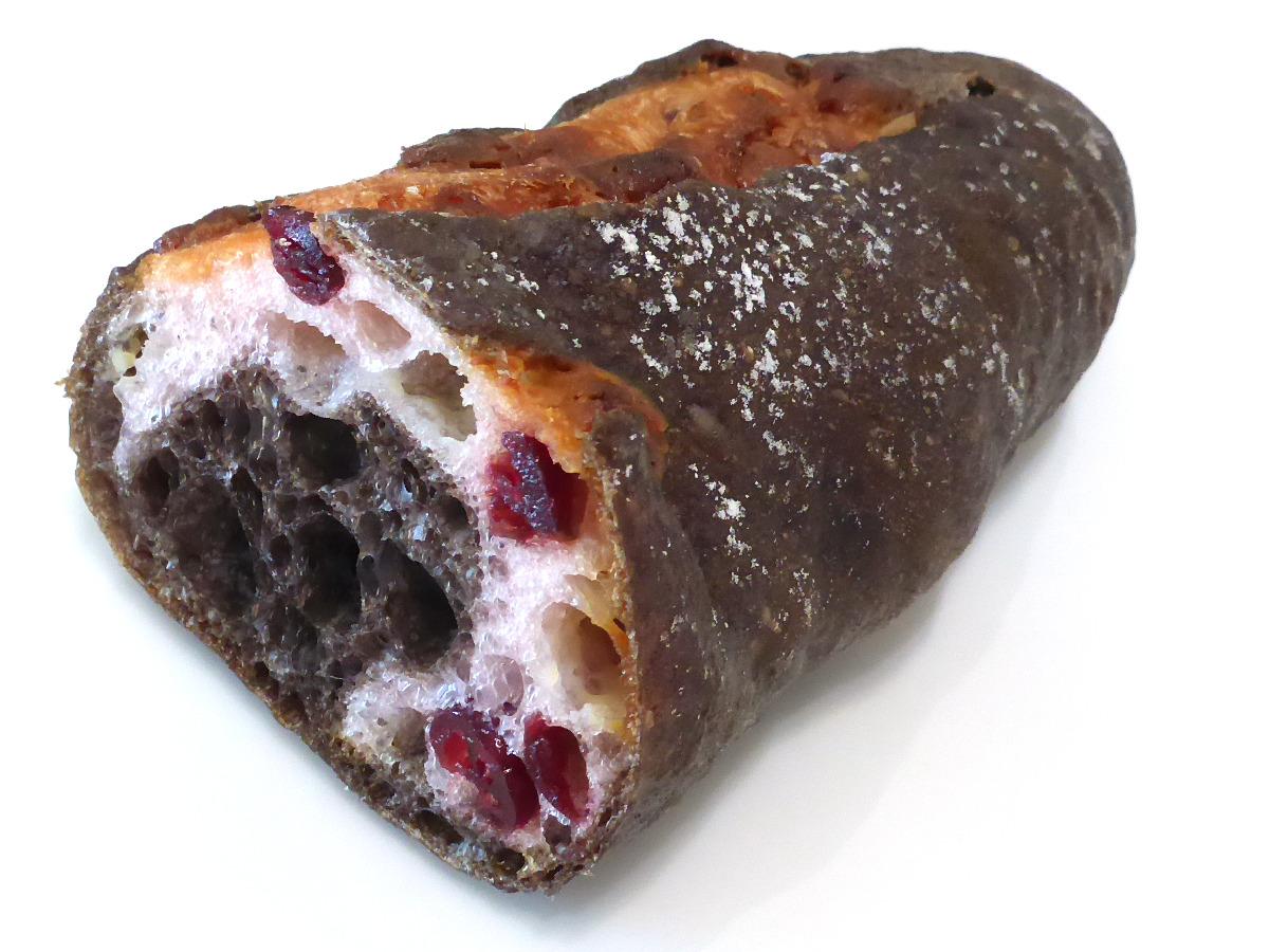 ブラッククランベリーショコラ   DONQ(ドンク)