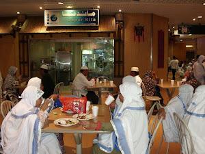 Jama'ah di Dapur Kita Di Hotel Zam-Zam Mek'kah