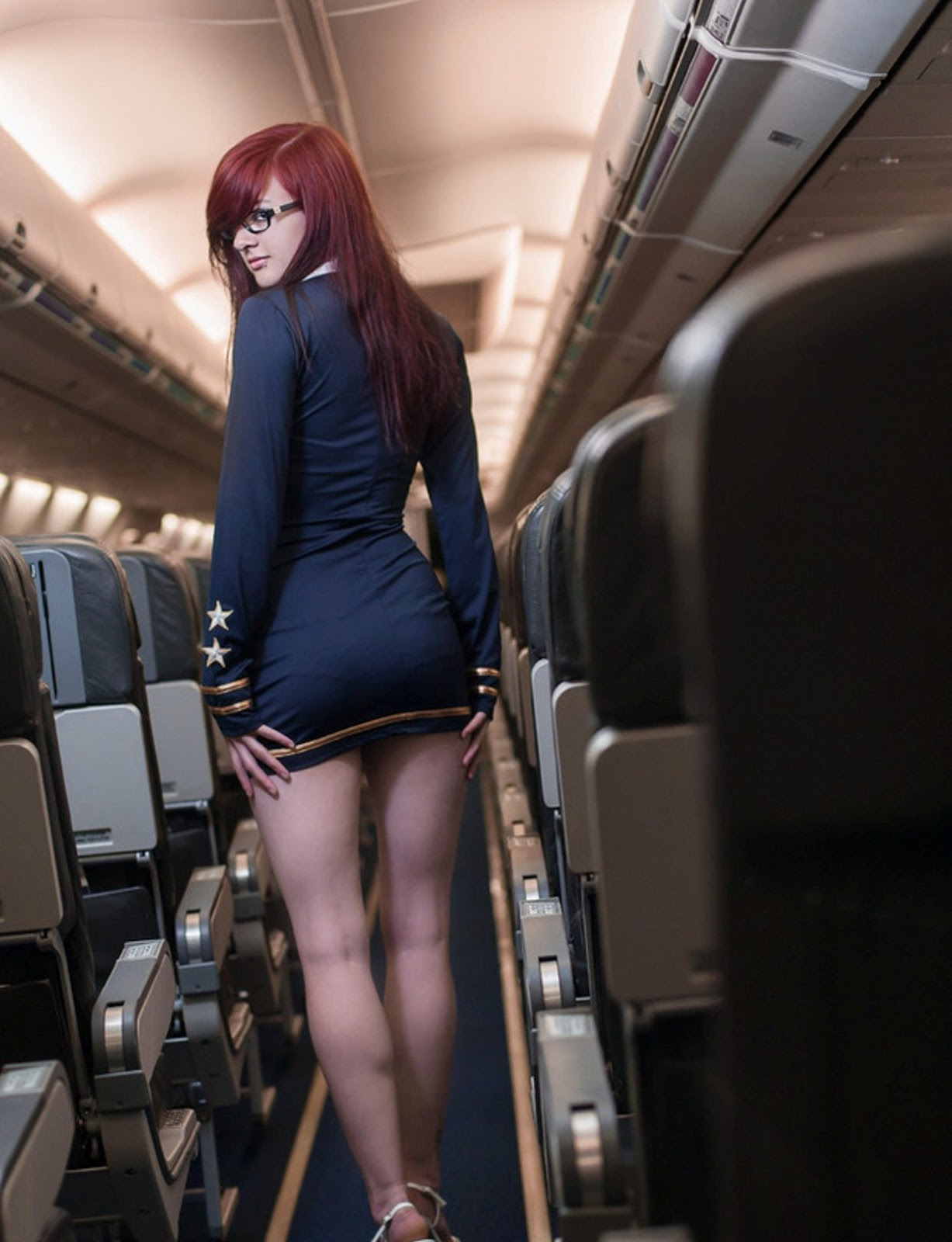 seksualnaya-styuardessa-kartinki
