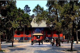 Hall of Heavenly Kings, one of the recommended attractions of White Horse Temple.