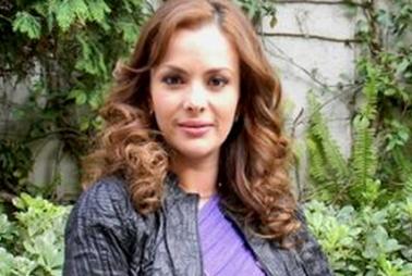 """Carmen Becerra villana en """"De que te quiero, te quiero"""""""