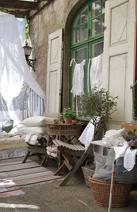 Idee winter tuin idees : Fussy French: French Porch Idees