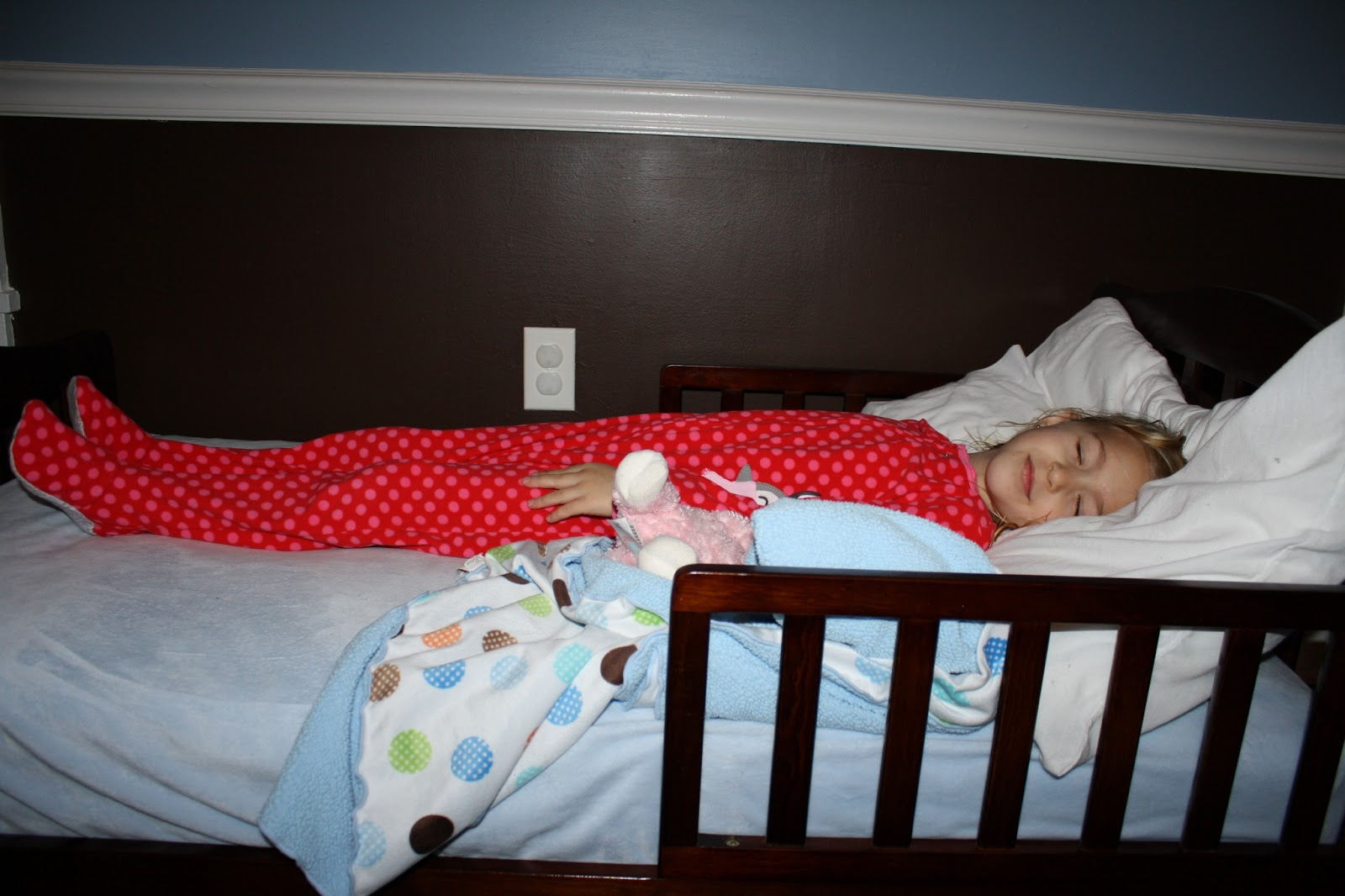 baby babbles big boy bed. Black Bedroom Furniture Sets. Home Design Ideas