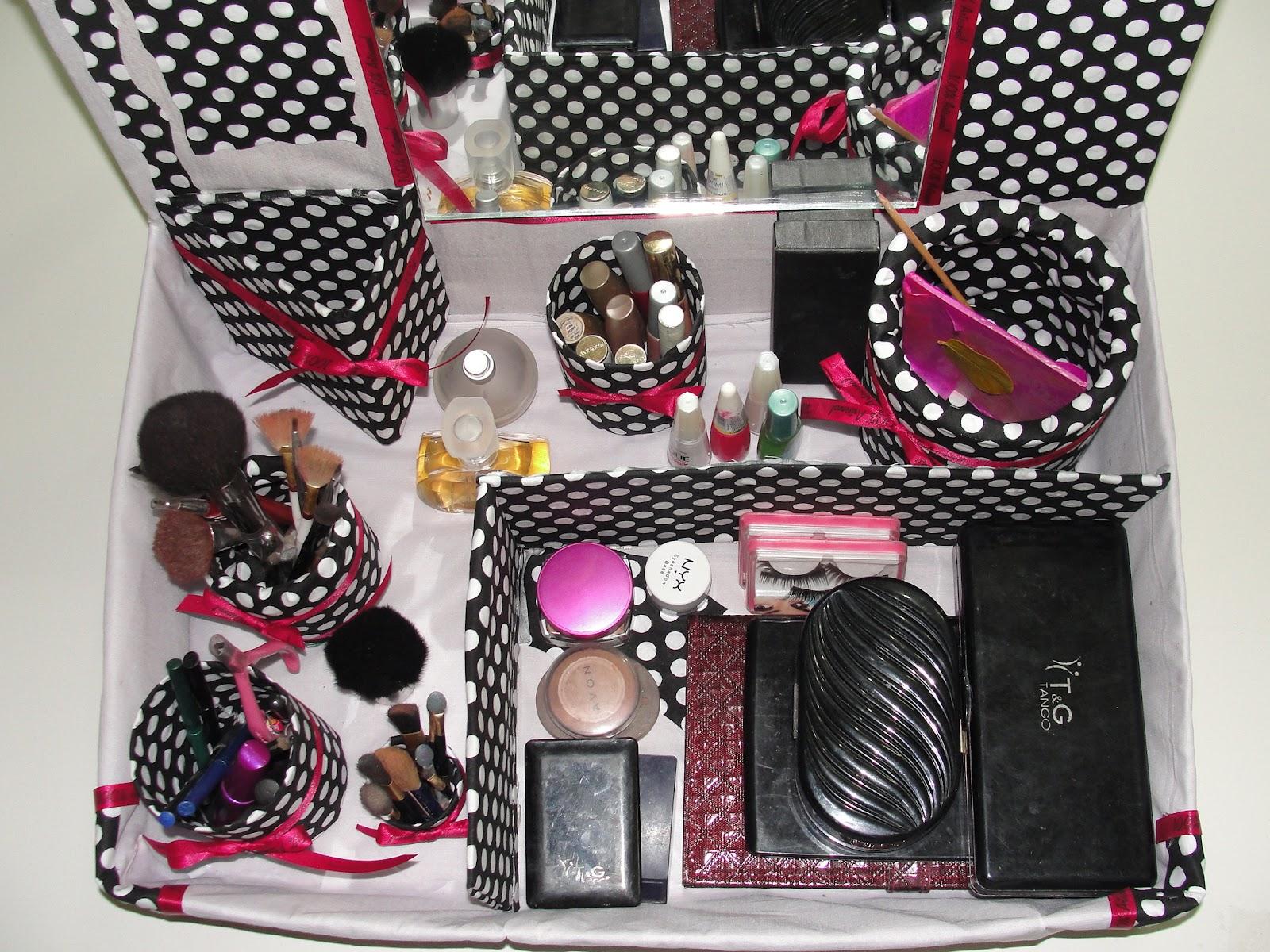 Super Sorriso de Monaliza: Organizando a maquiagem OU59