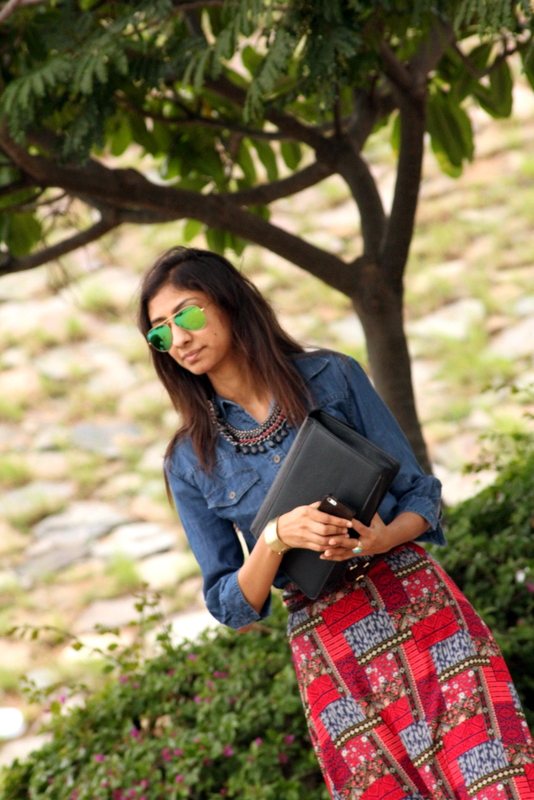 koovs envelope clutch, green rayban reflectors, forever21 red maxi skirt, denim shirt, indian fashion blogger, top indian fashion blogger, hyderabad fashion blog, how to style maxi skirt