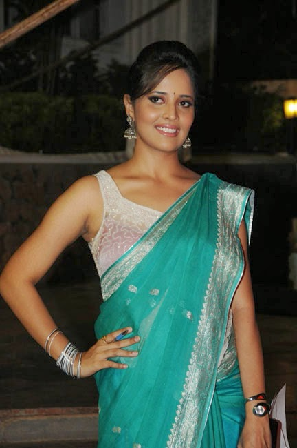 anasuya anchor hot hd green saree pictures anasuya