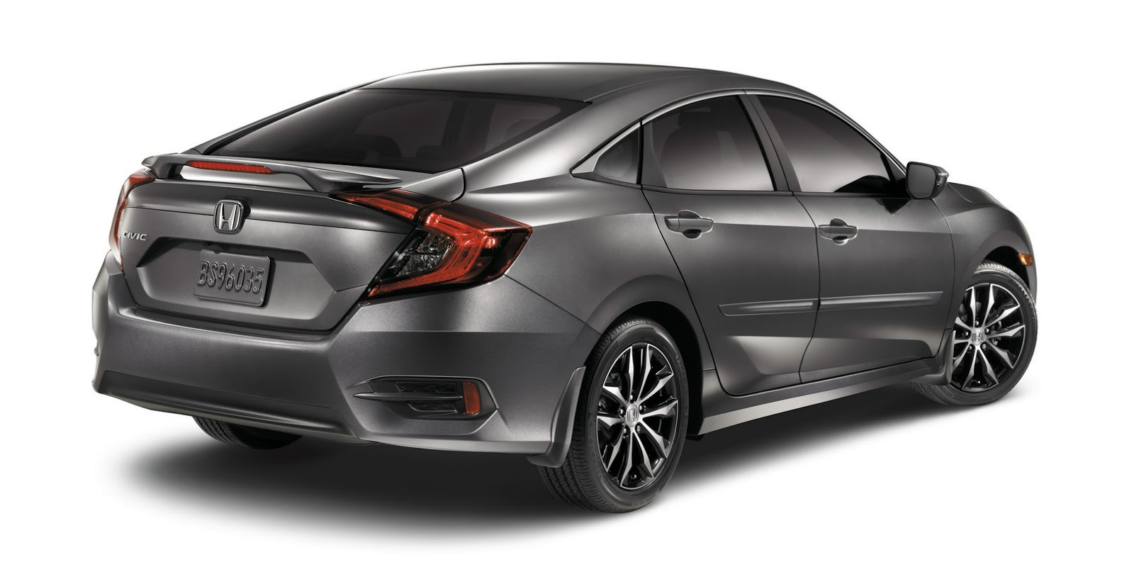 can you spot honda s new aero kit on the 2016 civic sedan carscoops. Black Bedroom Furniture Sets. Home Design Ideas