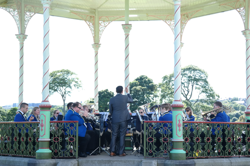 Aberdeen Bloggers' Meet Up at Duthie Park - Band playing in bandstand