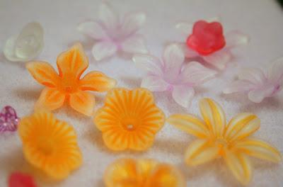 Lucite flowers (Pine Ridge Treasure) :: All Pretty Things