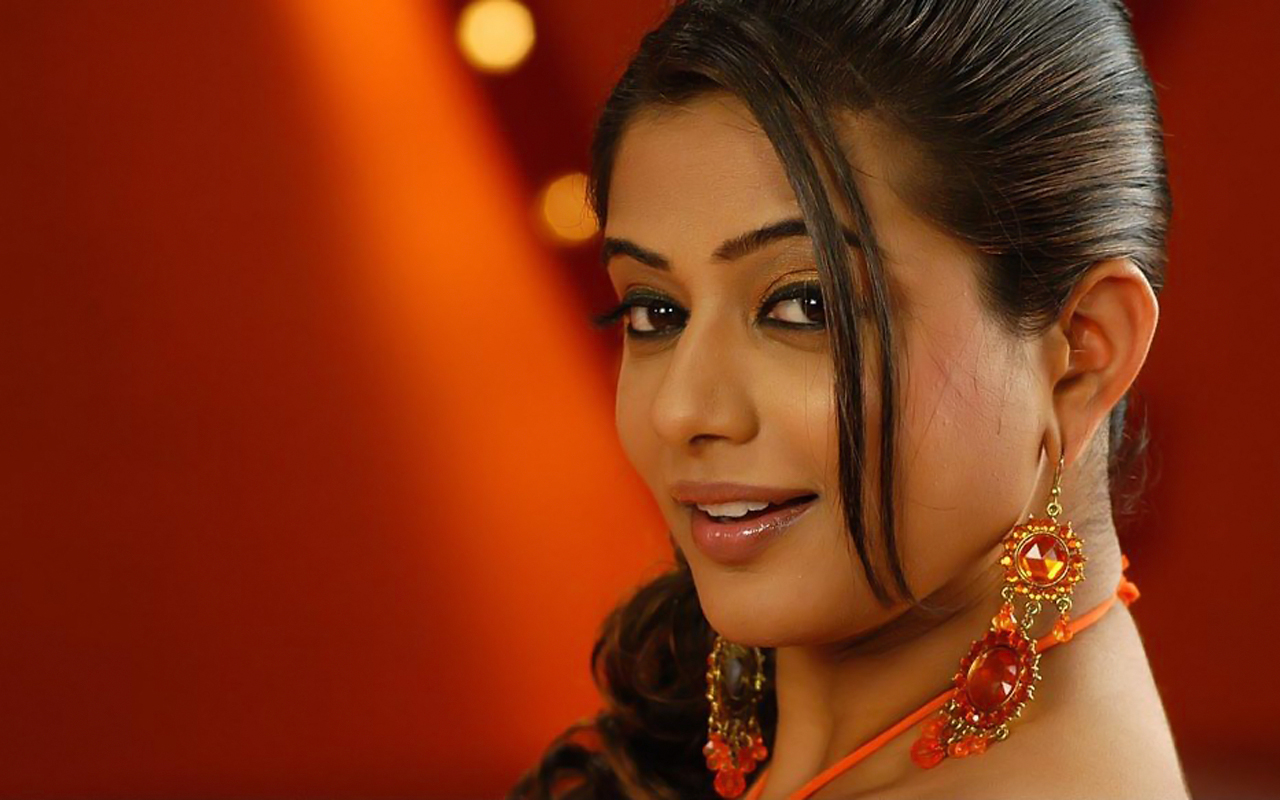 Indian actress hd wallpapers indian actress priyamani hd wallpapers - Desi actress wallpaper ...