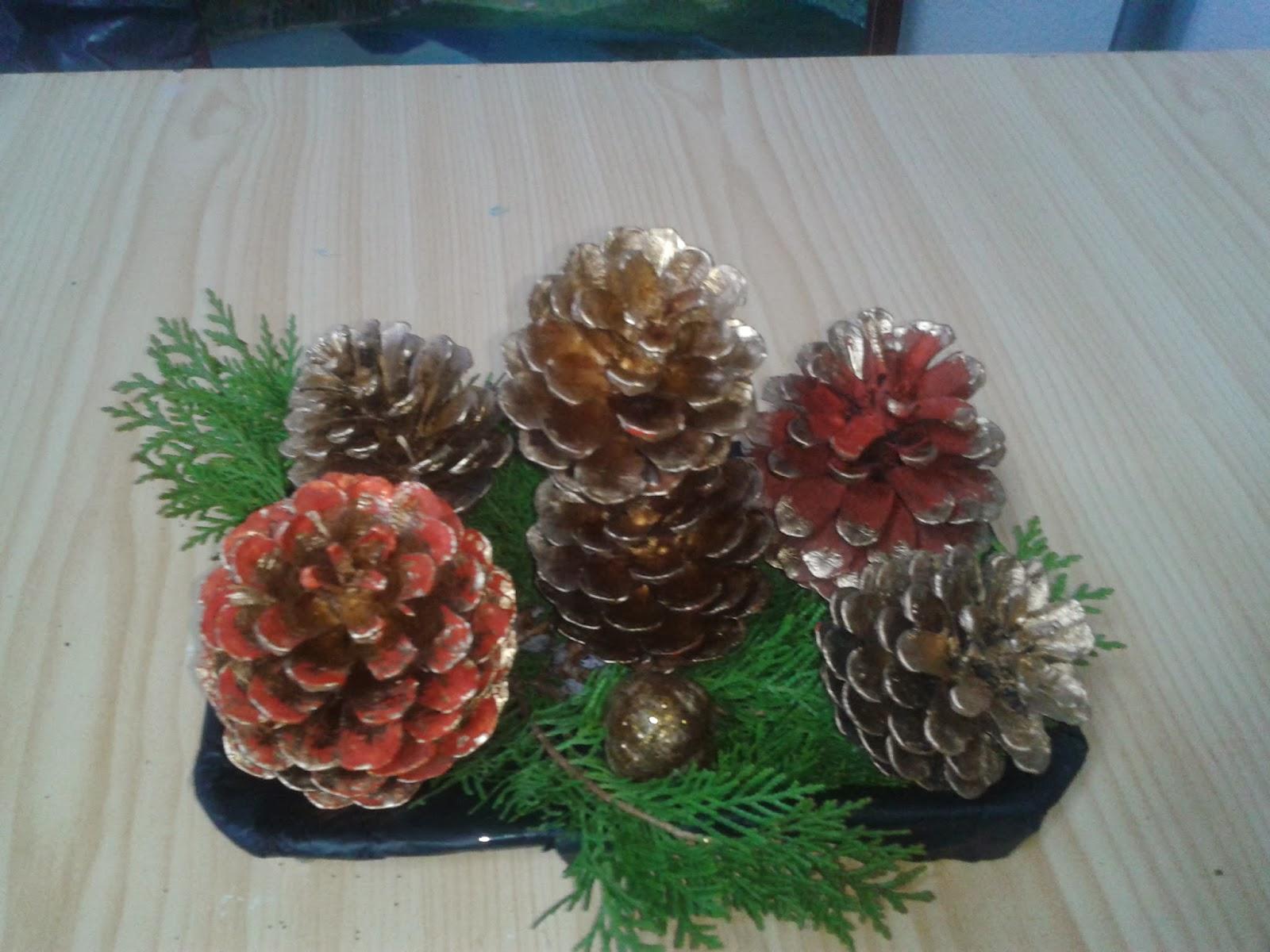 Centros de mesa de navidad con pi as parte 2 - Centros de mesa con pinas ...