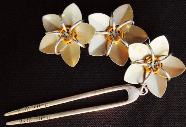 Scale+maille+flower