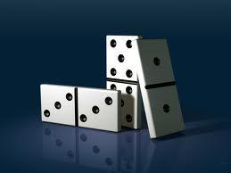 El Hogar Social del complejo Elola acoge un torneo benéfico de dominó