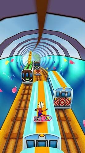 Berlari di atas gerbong dalam Game Subway Surfers World Tour Miami