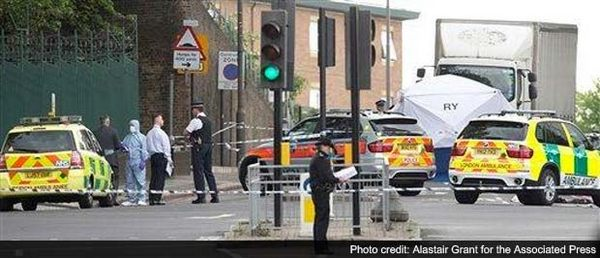 World news, London, Attack, Raised, Fears, Terrorism, Britain, Man, Walking, Wednesday, Military barracks, South London, Rammed by a car, Sidewalk, Hacked to death, Two assailants, Wielding, Cleaver, Kitchen knife, Accounts, Witnesses, Video, Attack.