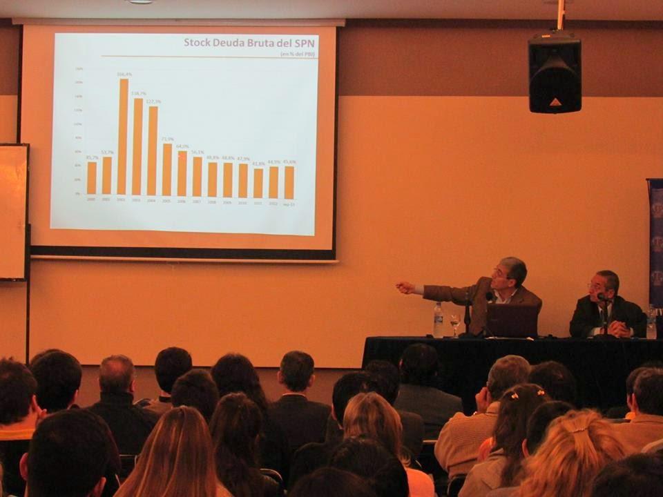 Walter Agosto. Conferencia sobre Política Fiscal y Política Monetaria