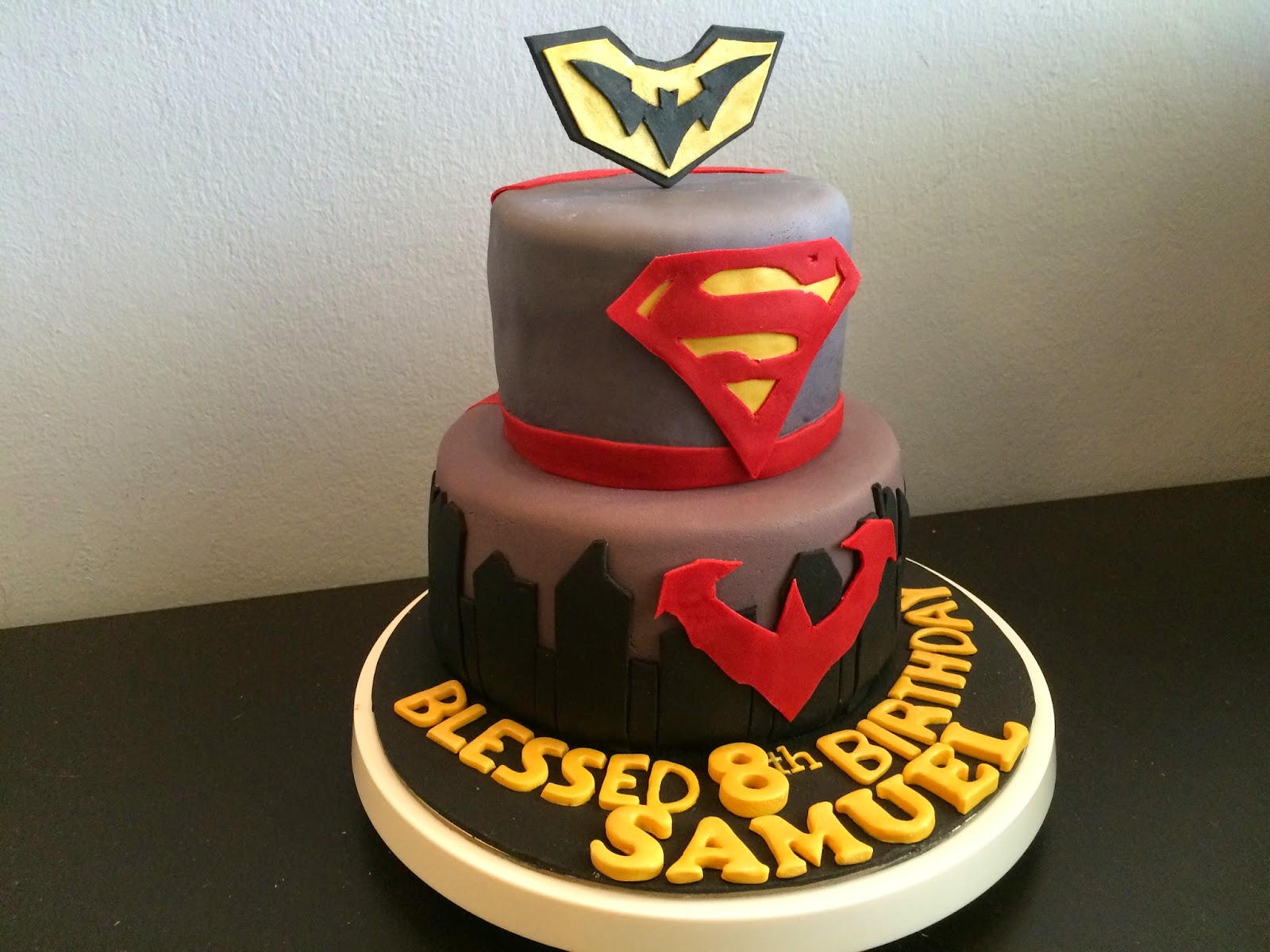 Injustice Superhero Cake Colourful Macarons Crissas Cake Corner