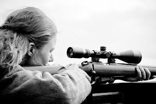 Clay pigeon gun