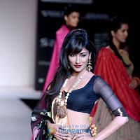 Chitrangda singh sizzling walks at lakme fashion week 2013