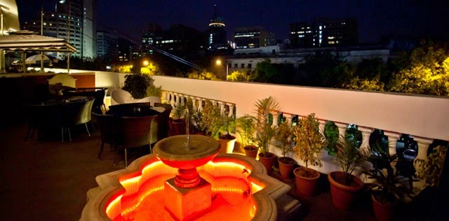 Most romantic restaurants in delhi with outdoor seating to for Open terrace restaurants