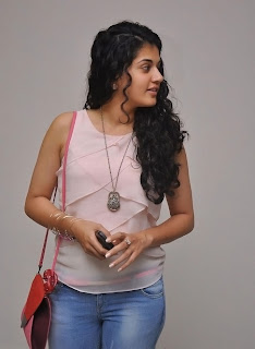 Actress Tapsee Pannu Latest Pictures 017.jpg