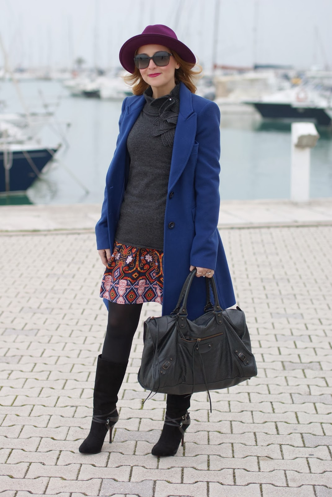 Paola Frani cappotto, cobalt blue coat, Balenciaga work bag, Cesare Paciotti boots, Fashion and Cookies, fashion blogger