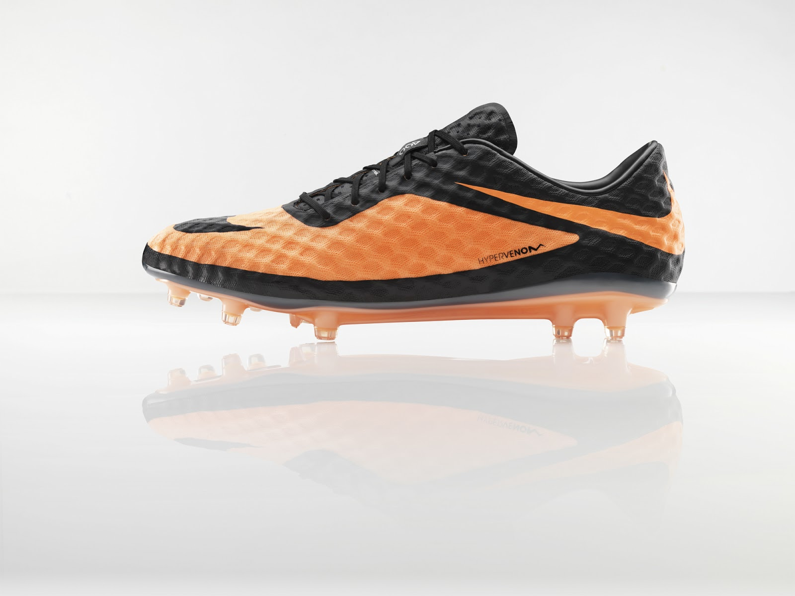 0f16bf61ea10 Nike Hypervenom: New Football Boot for New Breed of Player | DISKIOFF
