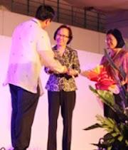 Dr. Marlene B. Ferido bags 2013 PFCS award for Chemistry Education