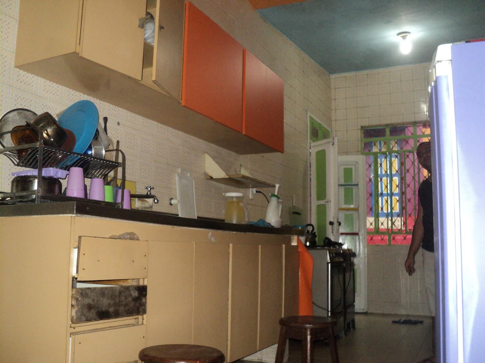 whatsapp: Aplicação de adesivo em armário de cozinha em Olinda #2E509D 1600x1200