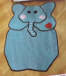 Tapete de Crochê em Formato de elefante com gráfico