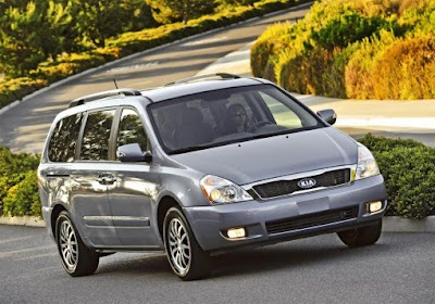 2011 Kia Sedona in gray color