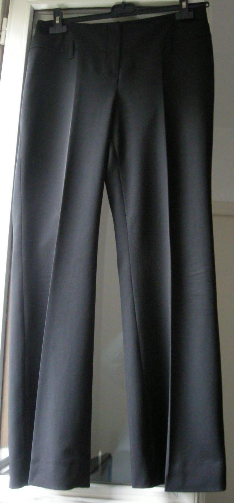 vetement discount vide dressing Flora : TARA JARMON – Pantalon noir coupe droite – T42