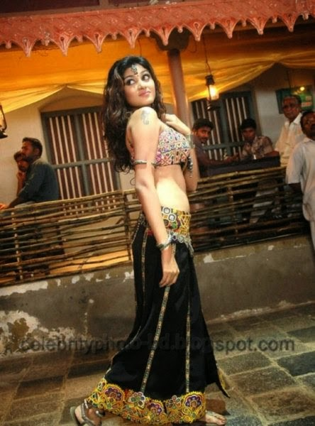 Hot Item Girls Oviya latest Hot And Sexy Dance Photos Collection
