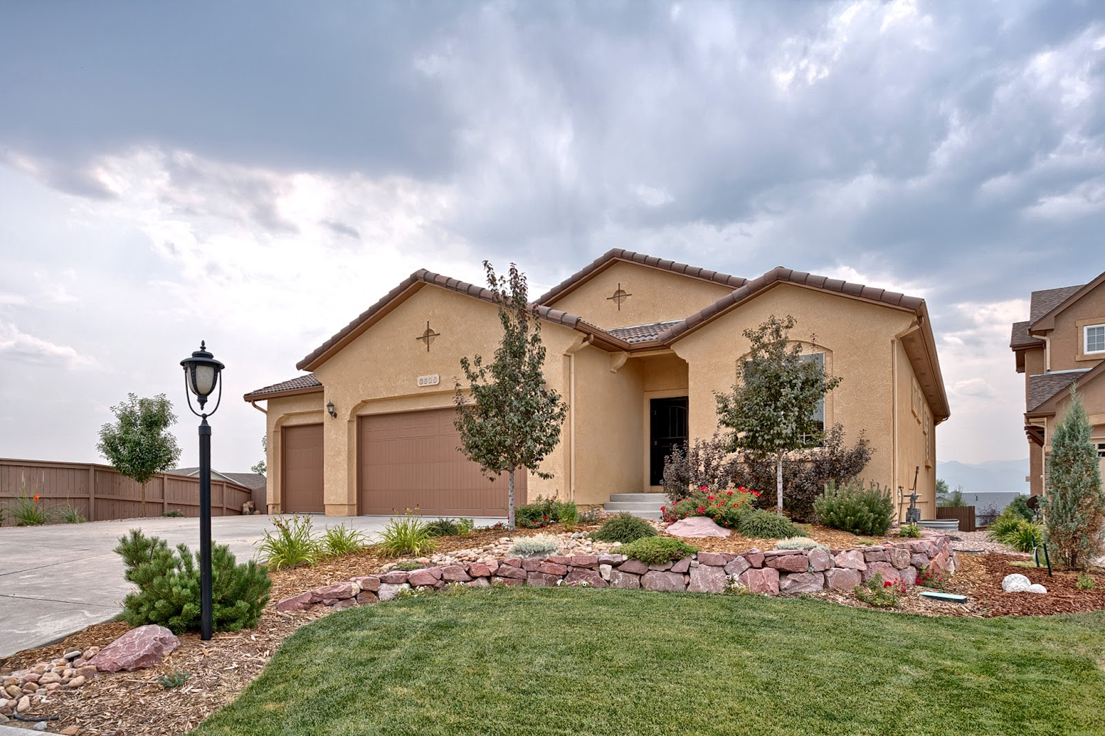 Colorado springs real estate beautiful home for sale in Beautiful real estate pictures