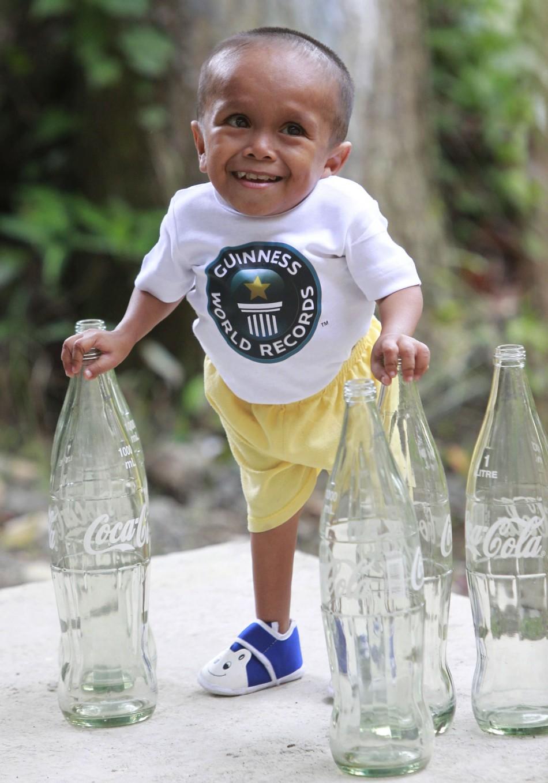 The World s Shortest Living ManWorlds Shortest Person
