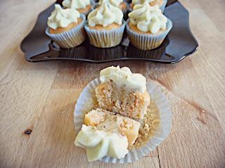 http://www.experimentando-enla-cocina.blogspot.com.es/2014/03/minicupcakes-salados-unos-bocaditos.html