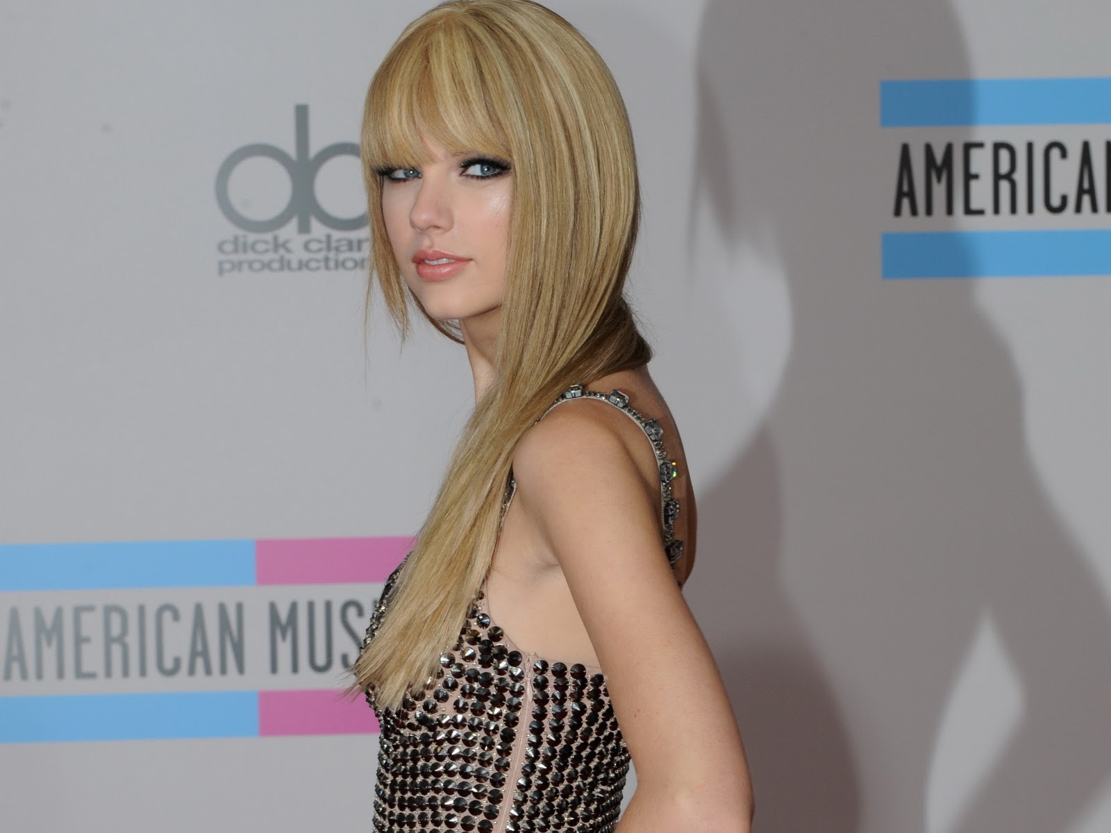 Taylor swift wallpapers hd 2012 its all about wallpapers taylor swift wallpaper voltagebd Images