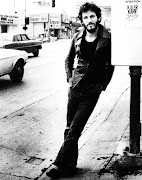 Bruce Springsteen wearing in the 70s an ensemble made up of a leather jacket .