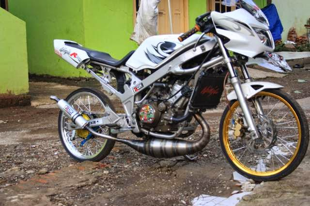 modifikasi motor ninja r warna putih  tahun ini