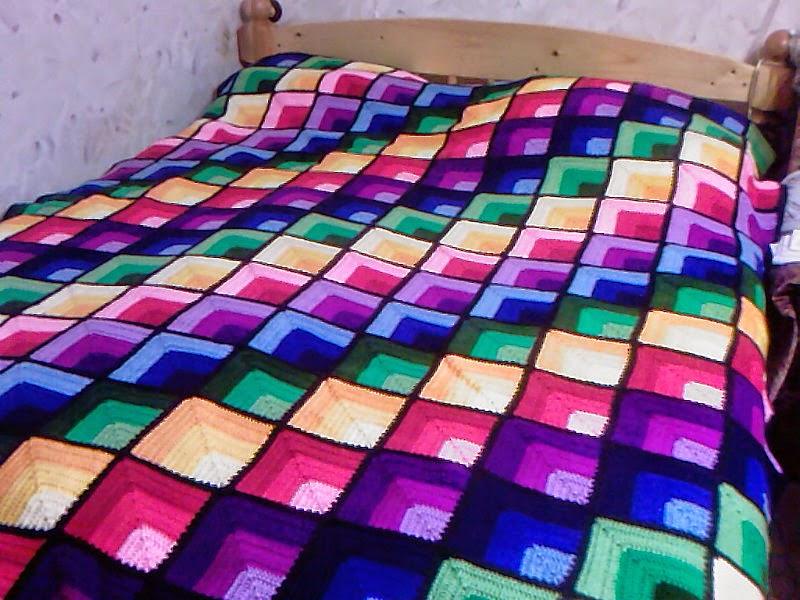 Magn fica manta cubrecama al crochet todo crochet - Mantas ganchillo colores ...