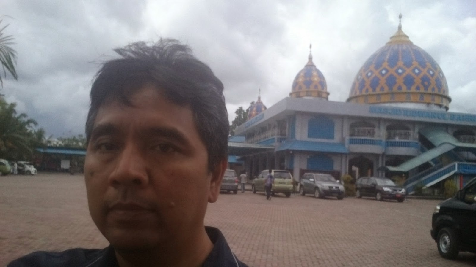 manokwari muslim Near the city of manokwari, which is the present capital of papua barat  west  papua was given a monolithic christian, ie non-muslim identity.