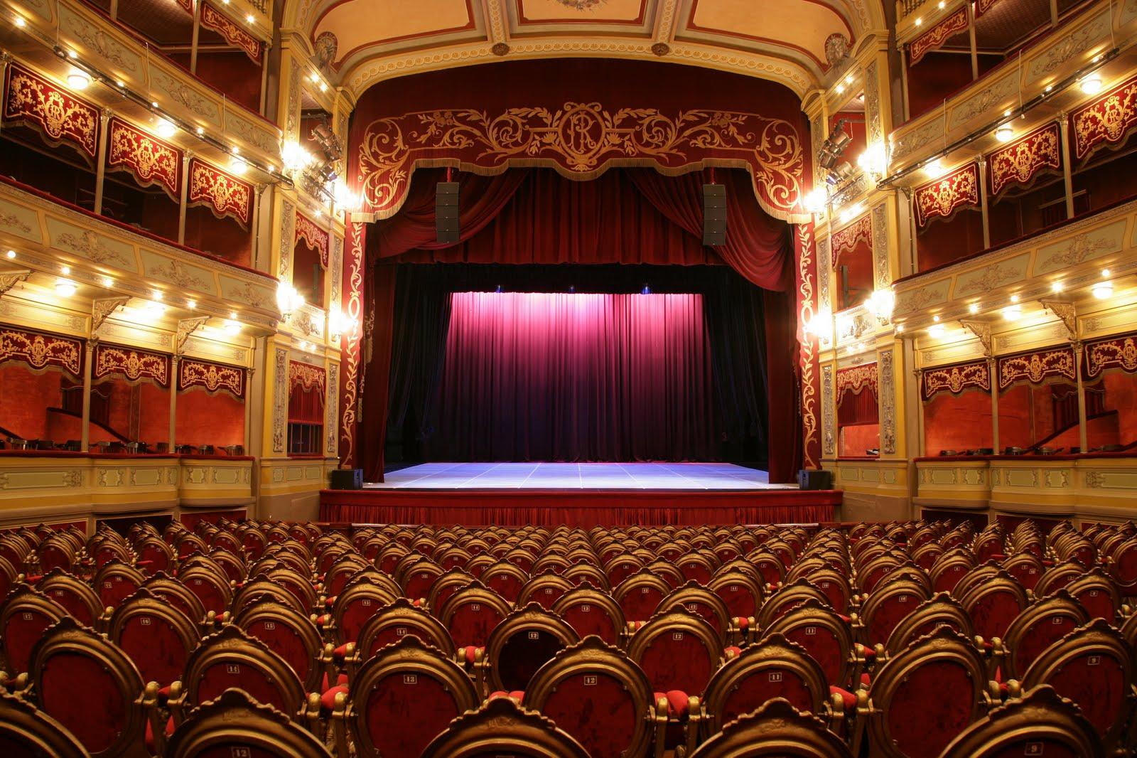 Opiniones de teatro del libertador general san mart n for Sala 0 teatro sevilla